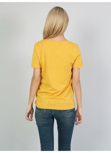 Colin's V Yaka Tişört Sarı
